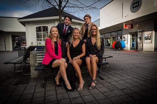 Gruppe fotografi fra norwegian outlet